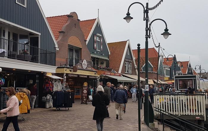 volendam-harbour